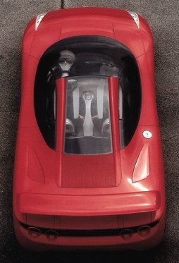 Cobertura transparente une para-brisas com tampa do motor (Fioravanti.it)