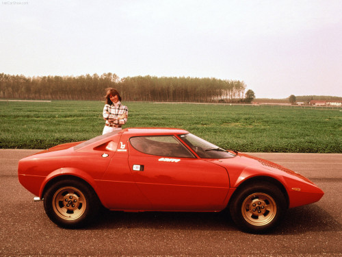Lancia Stratos, a origem de algo único (olshoper.com)