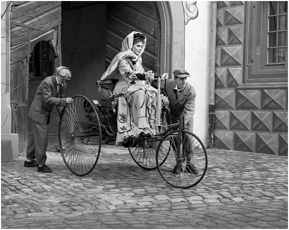 Foto Legenda 07 Coluna 1015 - Bertha Benz