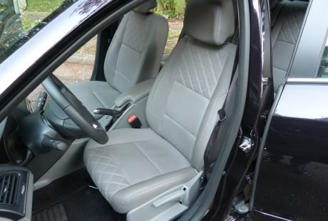 Boa ergonomia e consequente conforto são características deste Renault