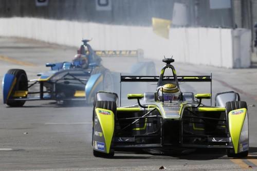Nelsinho Piquet seguiu os passos do pai em Long Beach (Foto www-fiaformulae-com)