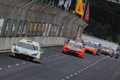 Tuka Richa e Sérgio Jimenez disputaram a vitória da segunda corrida (Foto Fernanda Freixosa)