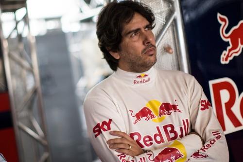 Cacá Bueno lidera o campeonato (Foto Red Bull Content Pool/Bruno Terena)