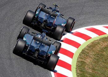 A cena mais comum do fim de semana: Hamilton atrás de Rosberg (foto Mercedes)