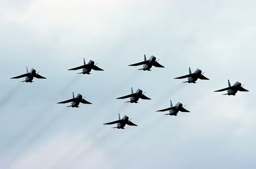 Nove aviões, show para ninguém colocar defeito (RAF.co.uk)