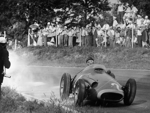 Fangio_1957-maserati_fangio_pescara