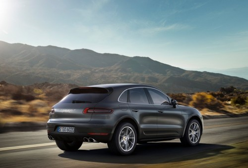 Porsche-Macan_2015_1024x768_wallpaper_17