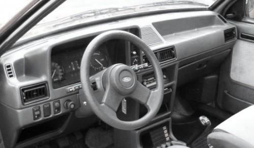 ford-escort-xr3-03-650x350