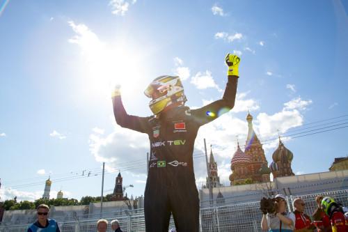 Nelson Piquet Jr consolidou liderança na F-E (foto Adam Warner/LAT/F-E)
