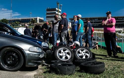 Reaberto ao automobilismo após cinco meses, Interlagos teve domingo movimentado (foto Irineu Desgulado Jr)