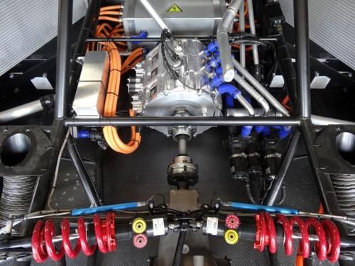 O conjunto motriz do primeiro carro elétrico com mais de 1.000 kWa de potencia (foto InsideEVs.com)