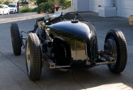 Para quem, como eu, gosta de carro leve, isso é o bicho (sportscarsdigest.com)