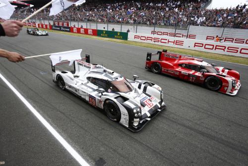 Modelo 919 Hybrid garantiu a 17a. vitória da Porsche em Le Mans (foto Porsche)