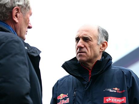 Franz Tost, da Toro Rosso, quer liberalizar regulamento dos motores (foto Red Bull/Getty Images)