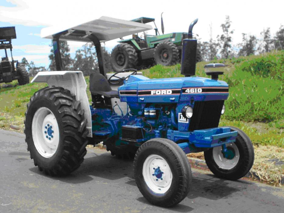 Trator Ford azul
