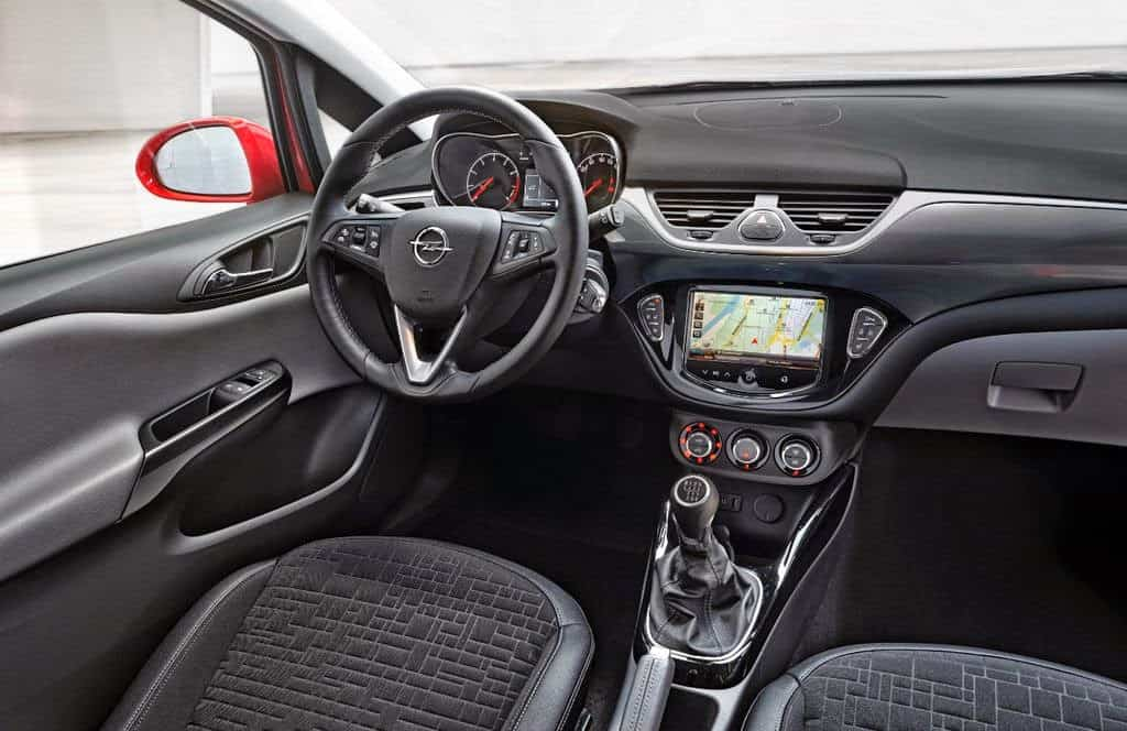 interior corsa 2015 (www_cockpitautomovel_com)