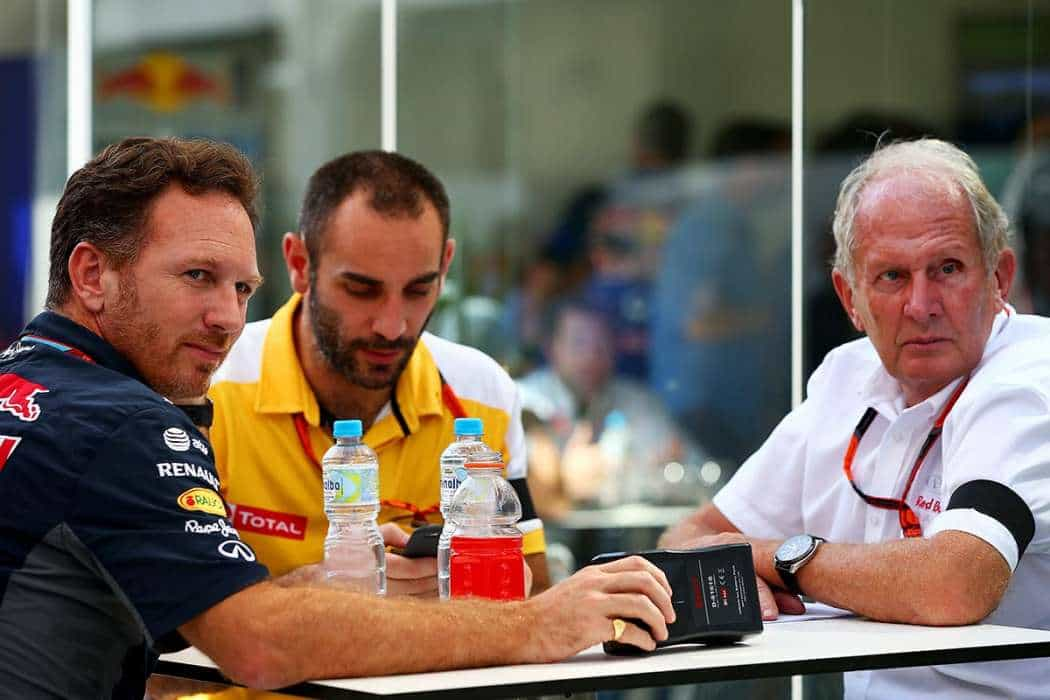 Christian Horner, Cyril Abitedoul e Helmut Marko juntam os cacos (Foto Getty  Images/Red Bull)