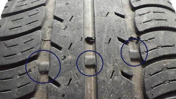 TWI: os indicadores de desgaste dos pneus. quando o desgaste da banda chega neles, o carro pode ser apreendido