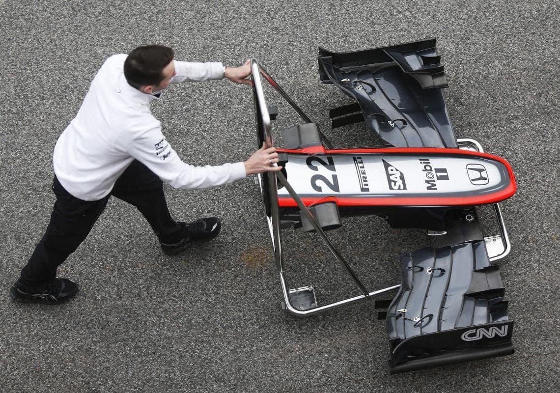 A F-1 já está de mudança para os modelos 2016 (foto McLaren)