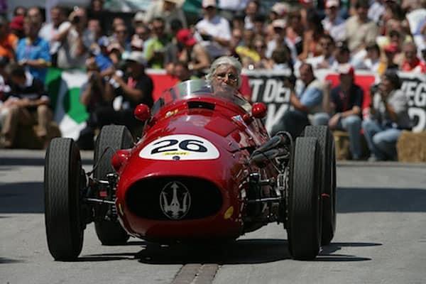De Filippis trabalhou para a Maserati e pilotou um 250-F em provas retrô (Foto Maserati)