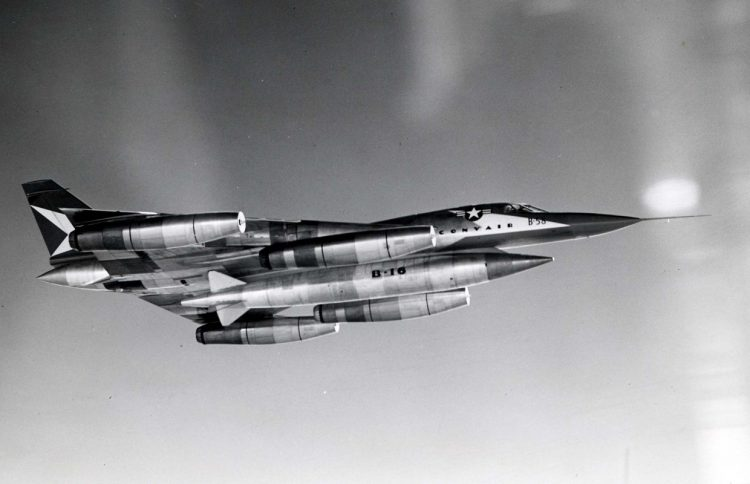 Convair_XB-58_Hustler_in_flight_061101-F-1234P-007