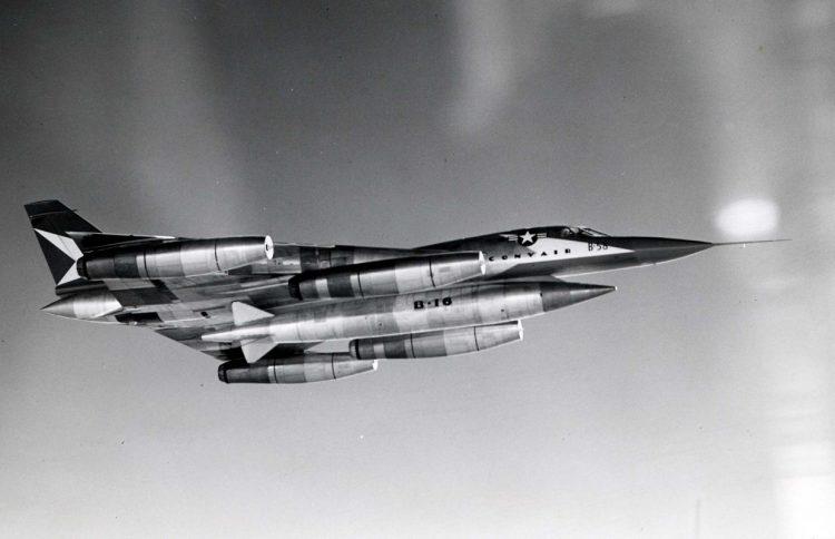 Convair_XB-58_Hustler_in_flight_061101-F-1234P-007