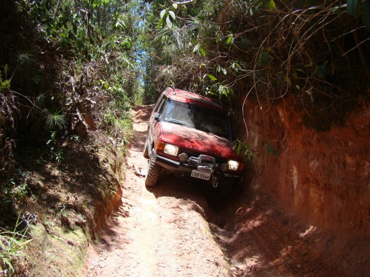 Em certas situações mais extremas qualquer descuido pode, sim, trazer algum dano ao veículo. Foto: autor na Serra do Japi, na região de Jundiaí (SP)