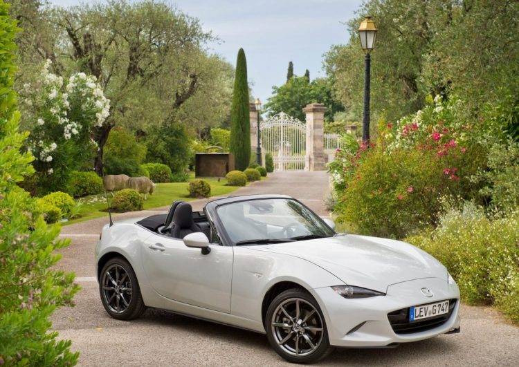 Mazda-MX-5_2016_1280x960_wallpaper_06