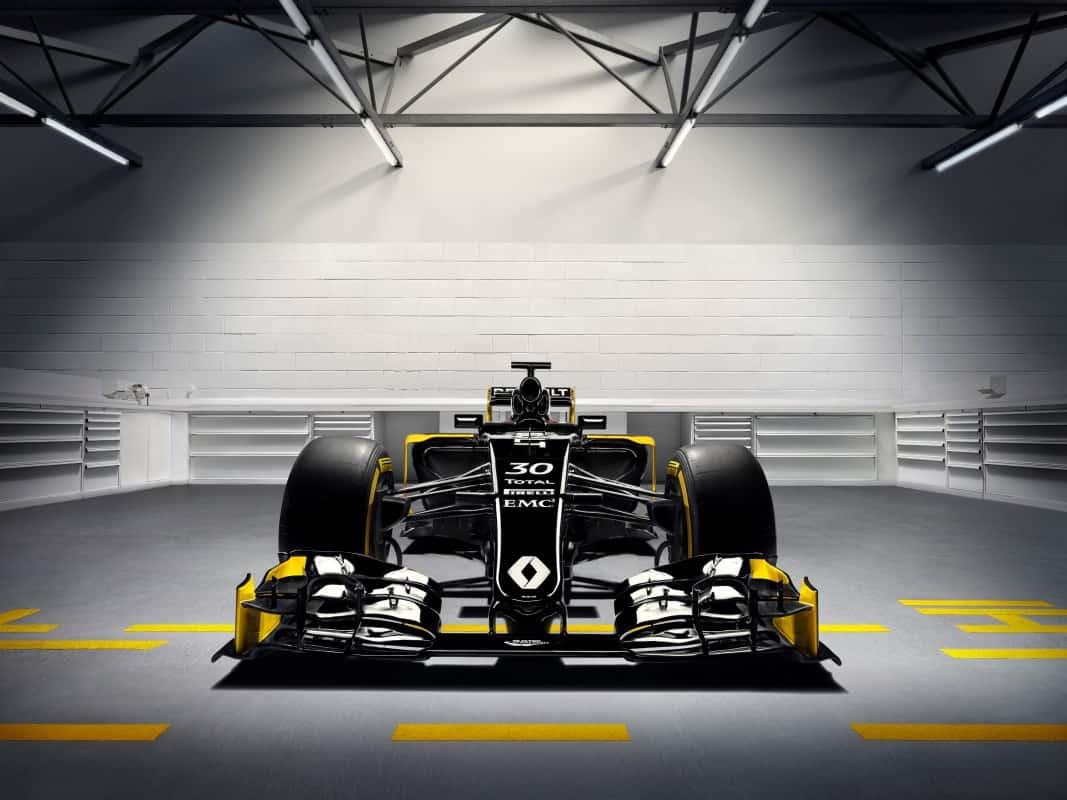 O carro mostrado na apresentação era o modelo de 2015 (Foto Renault)