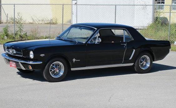 O primeiro Mustang era mesmo lindo (foto: auctionsamerica.com)