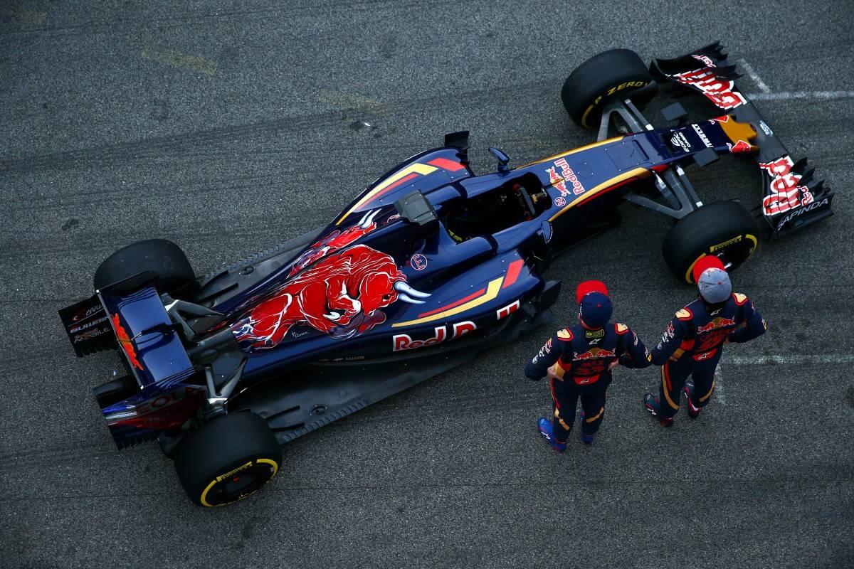 A Toro Rosso mostrou que construiu um carro confiável: fez a segunda miaor quilometragem do teste (foto Getty Imagens/Red Bull)
