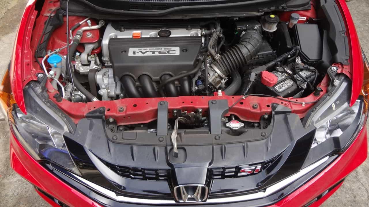 2,4 litros, 206 cv a 7.000 rpm, um dos melhores motores que já acelerei