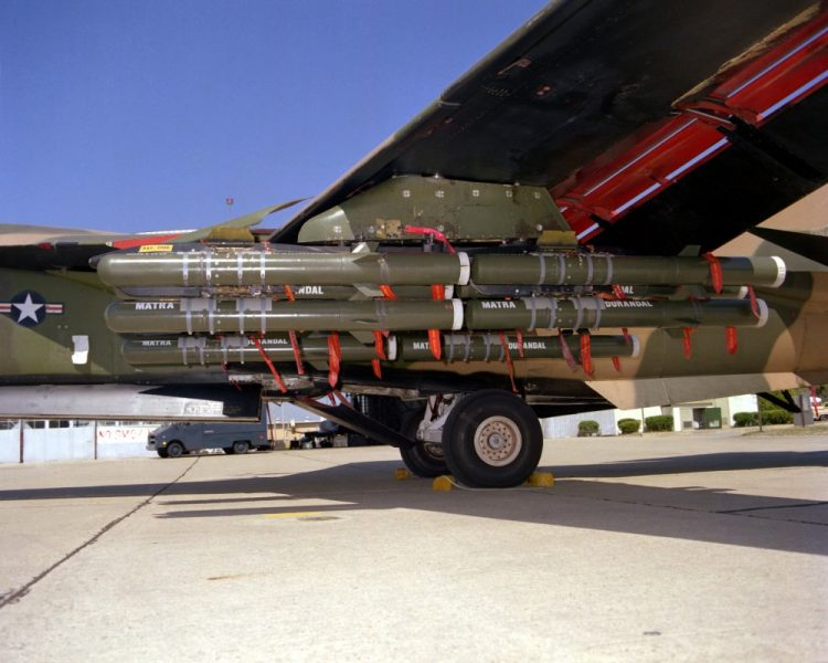 wikipedia - F-111_with_Durandal