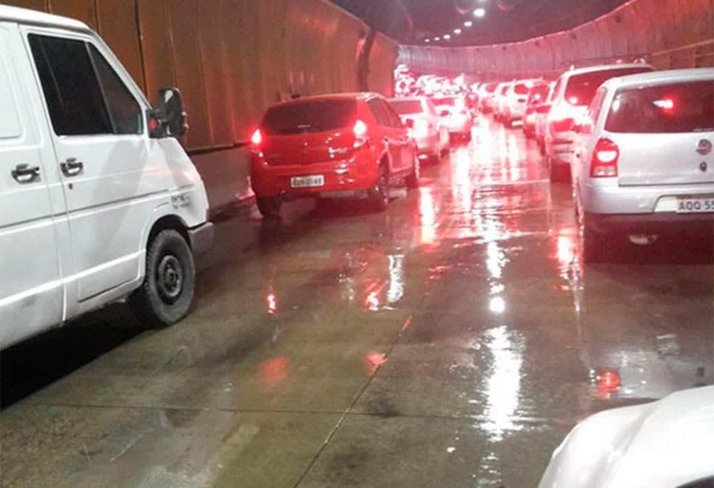 Túnel Fernando Vieira de Mello é um dos afetados por vazamentos