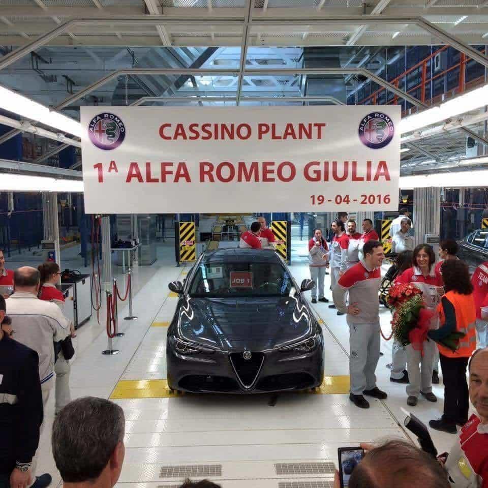 Foto Legenda 02 coluna 1716 - Alfa Romeo