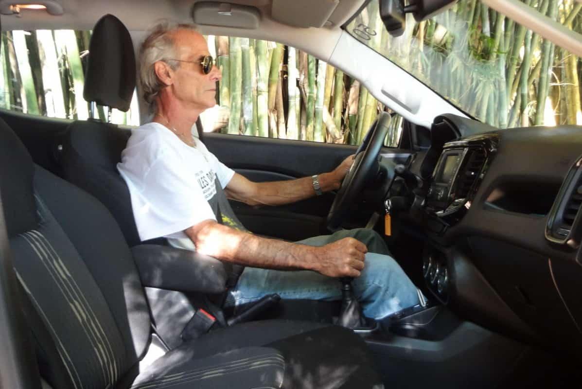 Perfeita ergonomia. Diferentemente dos outros Fiat, o volante da Toro desce até o ideal