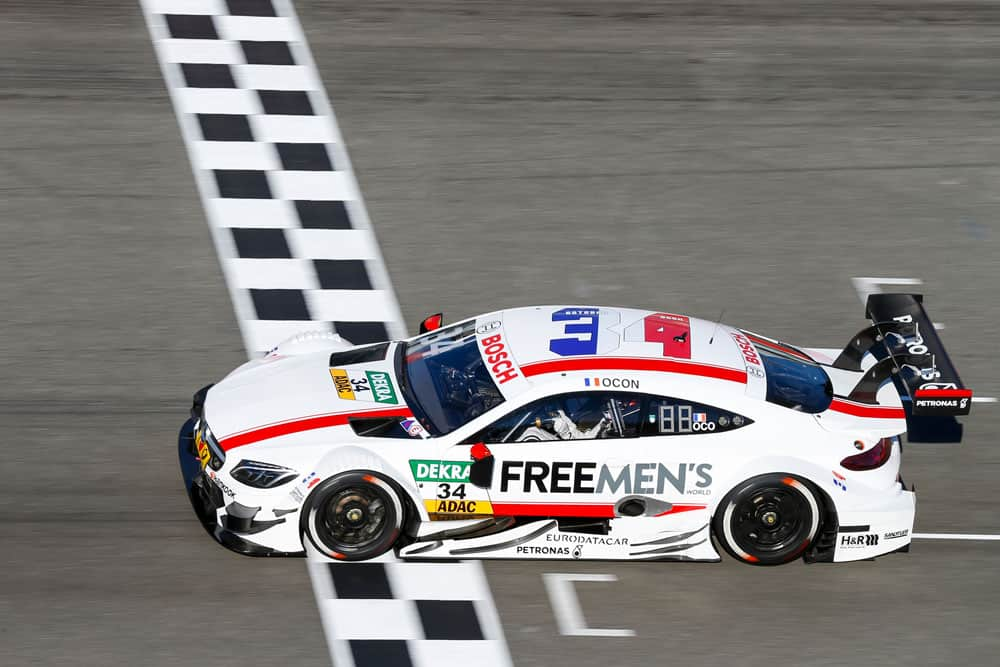 Esteban Ocon teve estreia tumultuada no campeonato alemão (FOto Mercedes)