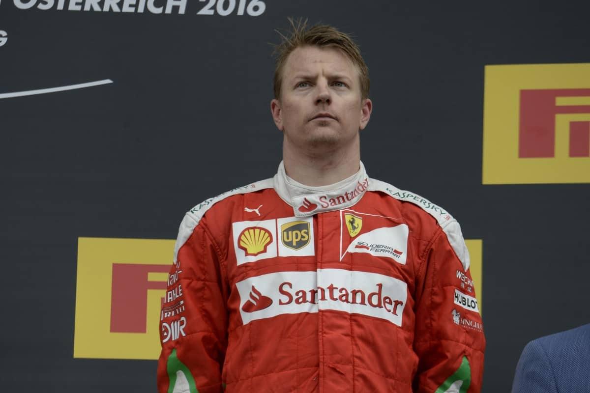 Kimi Räikkönen e sua forma de celebrar um treceiro lugar em um GP de F-1 (Foto Ferrari)