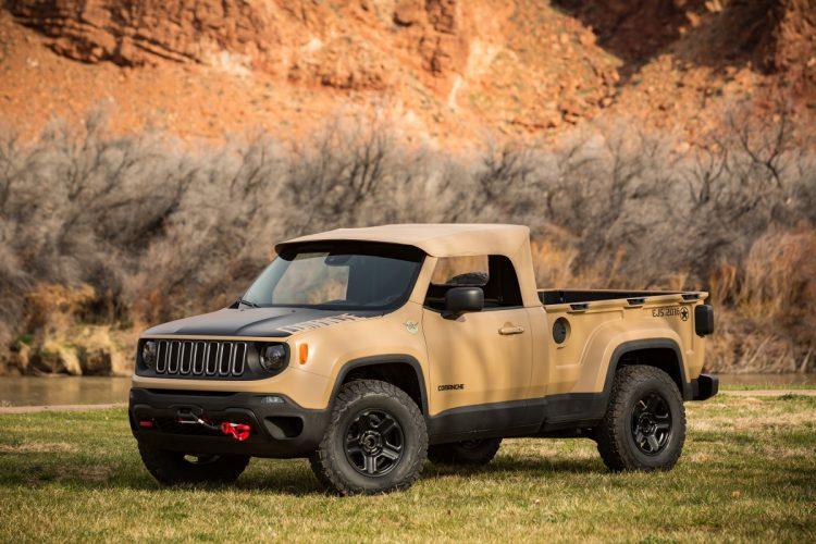 """Jeep Comanche - baseado no Renegade, o entre-eixos foi alongado em 15cm, levantado em 5cm e construído para ser uma opção off-road do tipo pick-up para uso civil ou militar, equipado com rodas de 16"""" e pneus off-road de 32"""""""", movimentados por um motor diesel de 2,0l e câmbio automático de 9 velocidades, contando com bloqueio de diferencial traseiro e interior apropriado para off-road. Infelizmente, foi o único modelo não disponível para avaliação. Foto: divulgação"""