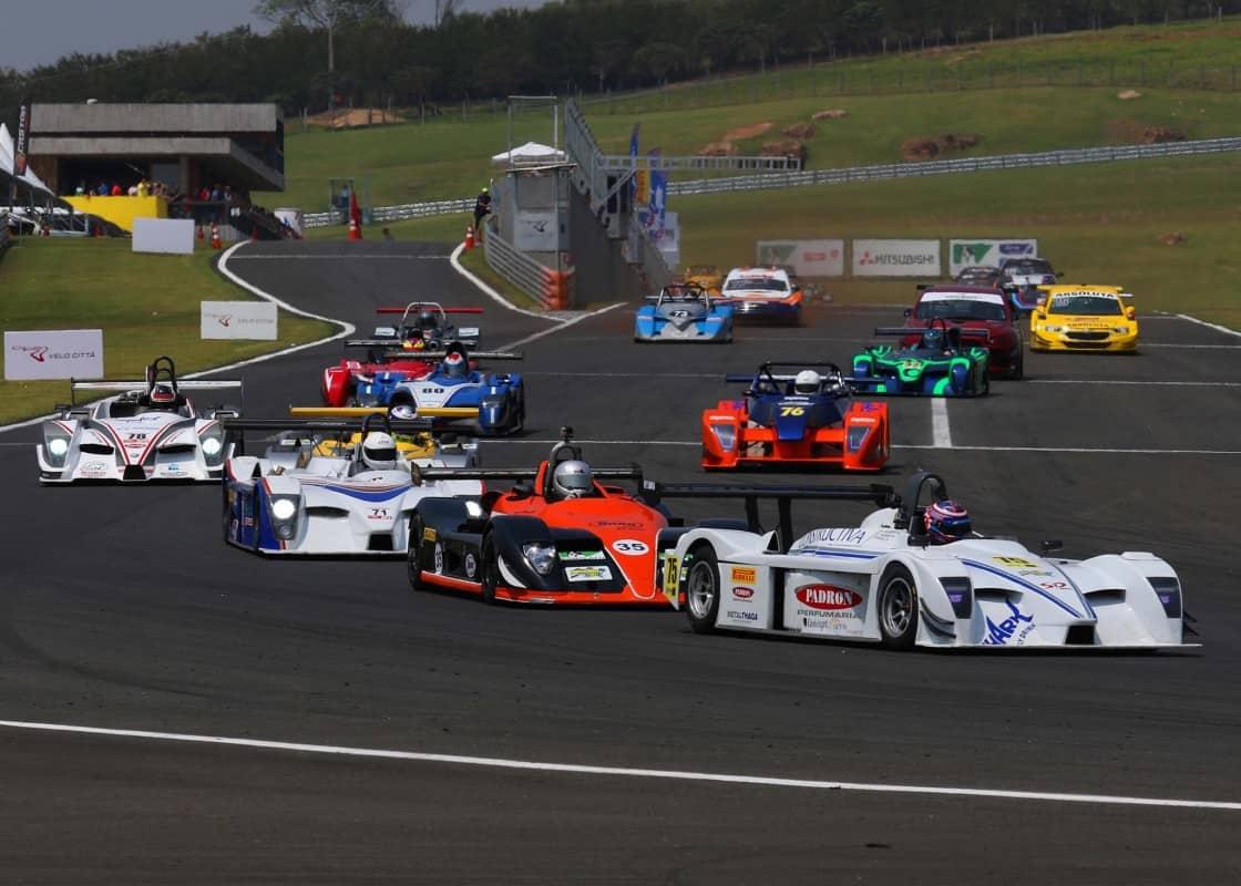 Um grid variado em cores, chassis e motores e um grupo disposto a reviver o automobilismo tradicional (Foto Endurance Brasil)
