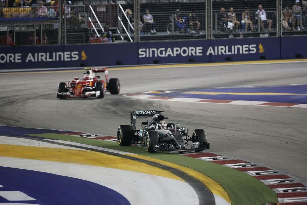 Hamilton se defendeu até o fim dos ataques de Räikkonen (Foto Mercedes)