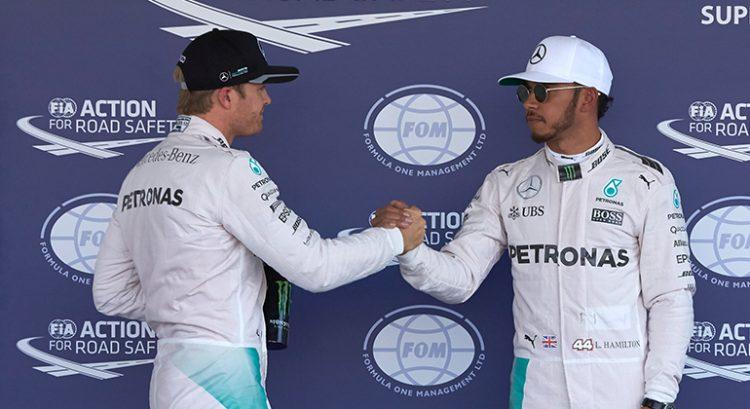 Nico e Lewis fizeram as pazes no final da temporada (Foto Mercedes)
