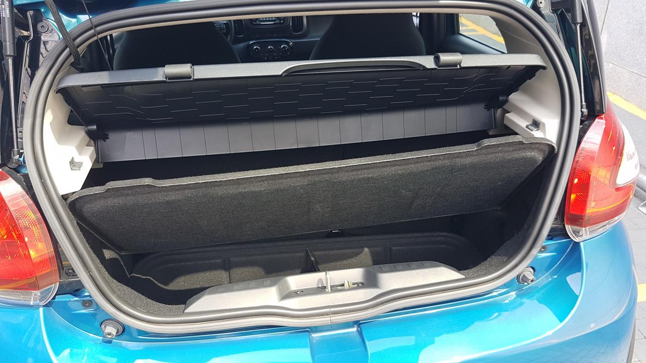 Porta malas com 215 litros