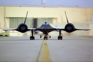sbnation_sr-71a_head-on_nasa_dryden_1995