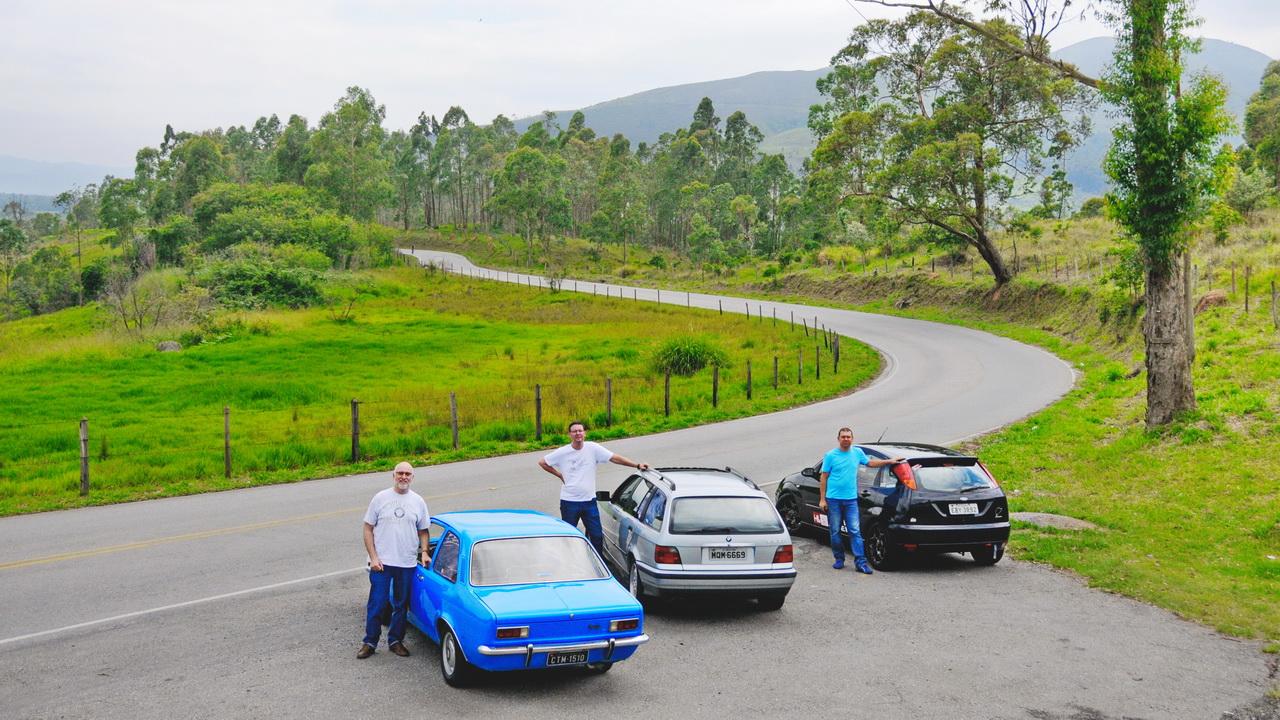 O Chevette e o Paulo Levi, A Touring e o eu, e o Focus e o Milton