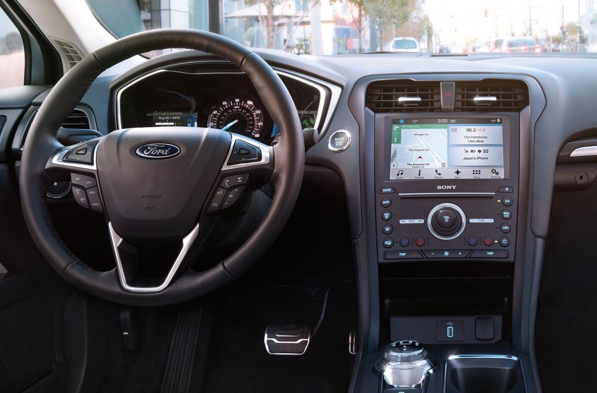 fusion-hybrid-interior-1