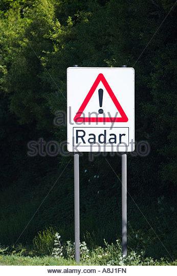 german-autobahn-warning-sign-radar-ahead-in-germany-europe-a8j1fn