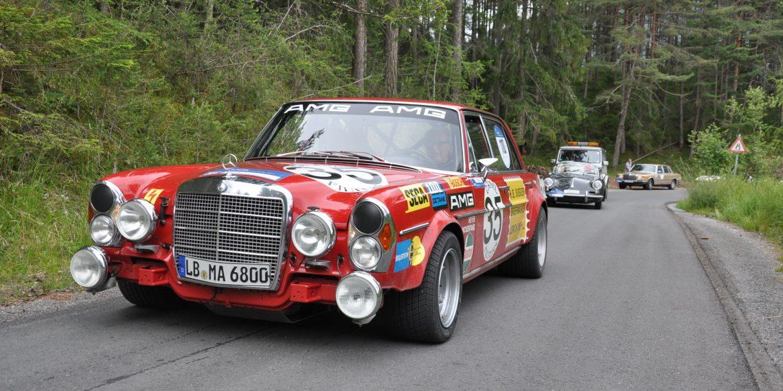 AMG 300 SEL 6.8 (W 109), authentische Replika des Renntourenwagens von 1971, bei der Arlberg Classic 2013.   AMG 300 SEL 6.8 (W 109). Authentic replica of the 1971 racing tourer at the Arlberg Classic 2013.