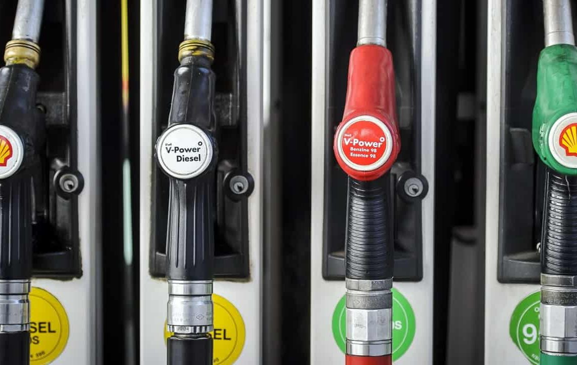 EU Probes Price Fixing For Oil ...Diesel fuel pump nozzles, left, and unleaded pumps branded with the Shell logo sit at a gas station operated by Royal Dutch Shell Plc, in Brussels, Belgium, on Tuesday, June 4, 2013.Royal Dutch Shell Plc, BP Plc, Statoil ASA and Platts, the oil-price data collector owned by McGraw Hill Financial Inc., said theyÕre being investigated after the European Commission conducted raids in three countries to ferret out evidence of collusion. Photographer: Jock Fistick/Bloomberg