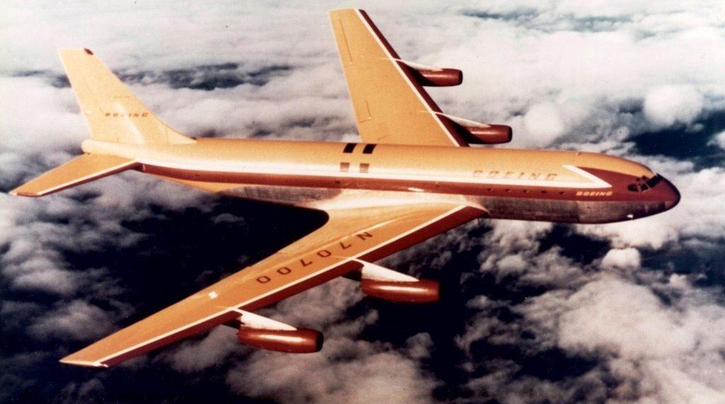 cc8b3293fbea2 O ano de 1958 foi emblemático na história da aviação comercial  iniciava-se  para valer a era do jato na aviação civil e com ela toda uma série de  mudanças ...
